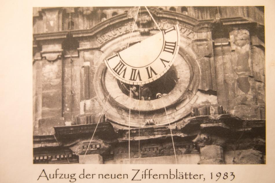 Auch beim Aufzug des Ziffernblattes hatte Falk Wißmach (damals noch Lehrling) schon fleißig mitgewirkt.