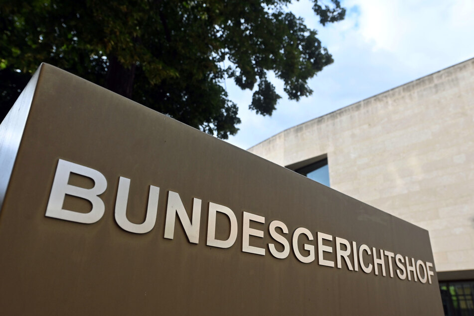 Der Bundesgerichtshof in Karlsruhe hat entschieden: Facebook muss zukünftig seine Nutzer erst anhören, bevor es sie sperrt.