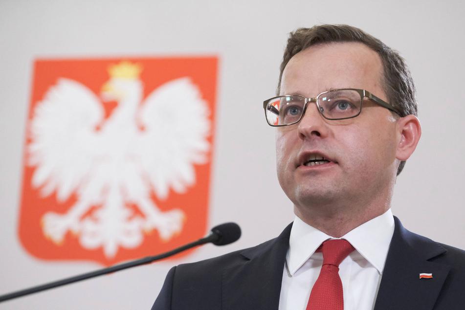 """Der polnische Vize-Justizminister Marcin Romanowski (45) verteidigt das Bezeichnet Homosexueller als """"Krebsgeschwür"""" als wissenschaftliche Tätigkeit."""