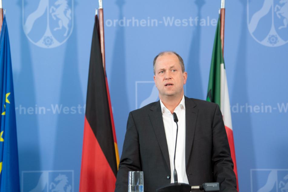 Joachim Stamp (49, FDP), stellvertretender Ministerpräsident des Landes Nordrhein-Westfalen und Minister für Kinder, Familie, Flüchtlinge und Integration.