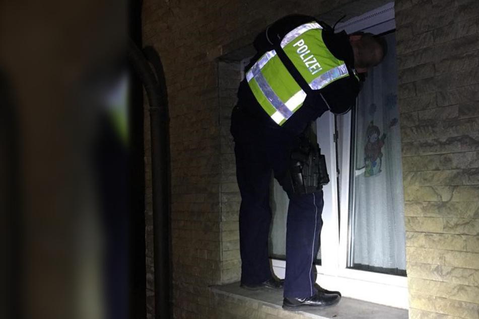 Baby sperrt Mutter auf Balkon, Polizist muss zum Einbrecher werden