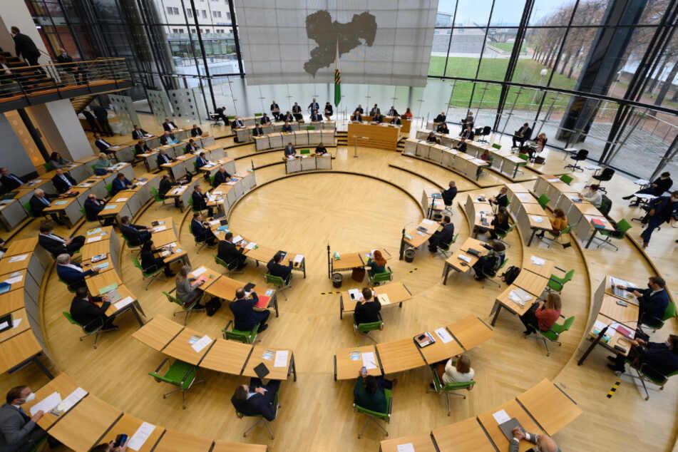 Sachsens Abgeordnete planen fette Diäten-Erhöhung: Doch eine Online-Petition soll das verhindern!