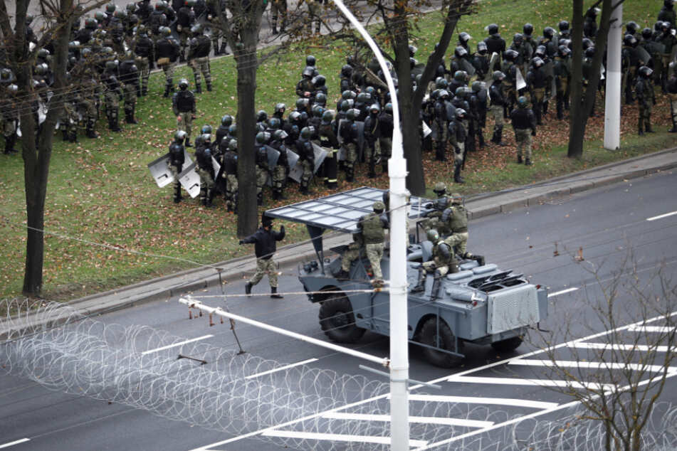 Angespannte Lage in Belarus: Militär will weitere Proteste verhindern