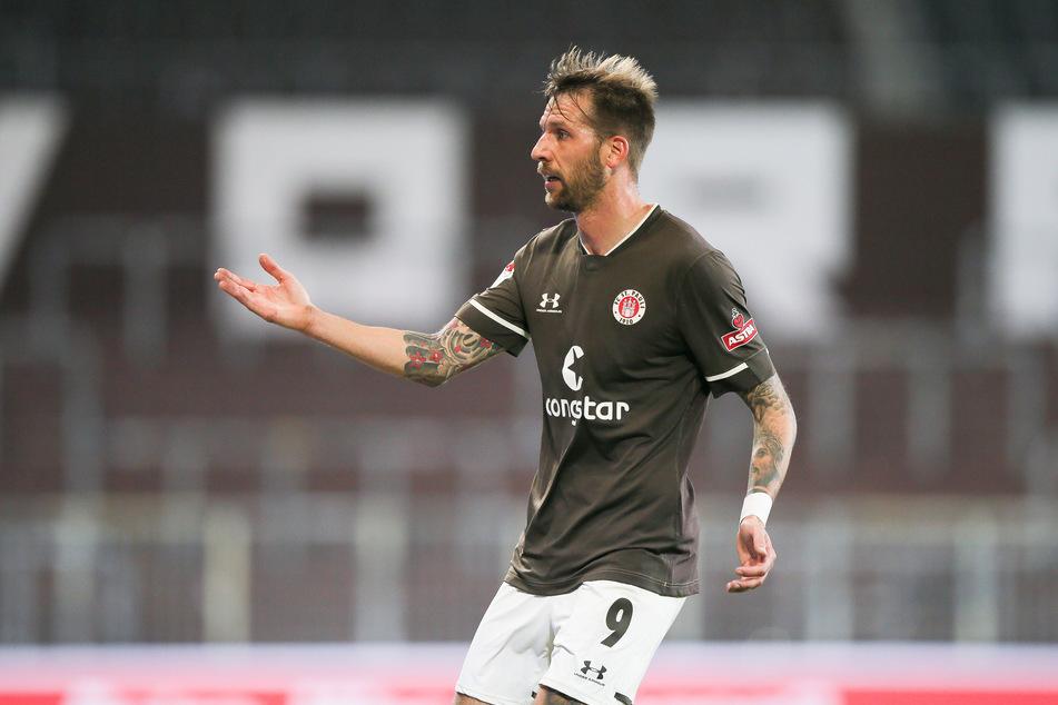 Nach einem schweren Start beim FC St. Pauli überzeugt Mittelstürmer Guido Burgstaller (31) inzwischen mir starken Leistungen und Toren.