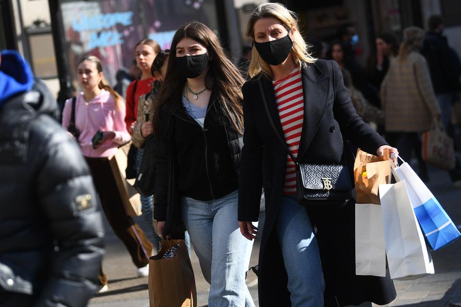In Niedersachsen können die Menschen darauf hoffen, dass sie nach Pfingsten ohne Maske einkaufen gehen dürfen. (Symbolbild)