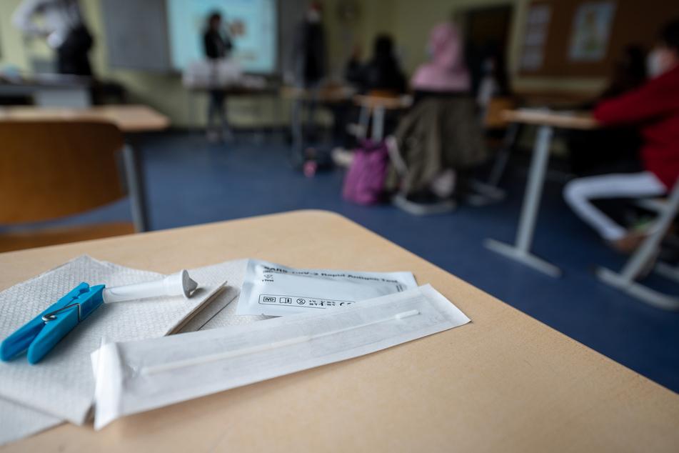 Kommt es in Niedersachsen bald täglich zu Corona-Tests an Schulen?