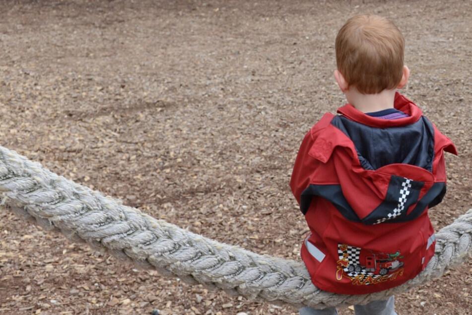 Forscher wollen in einer Studie untersuchen, welche Rolle Kinder bei der Corona-Ausbreitung spielen. (Symbolbild)