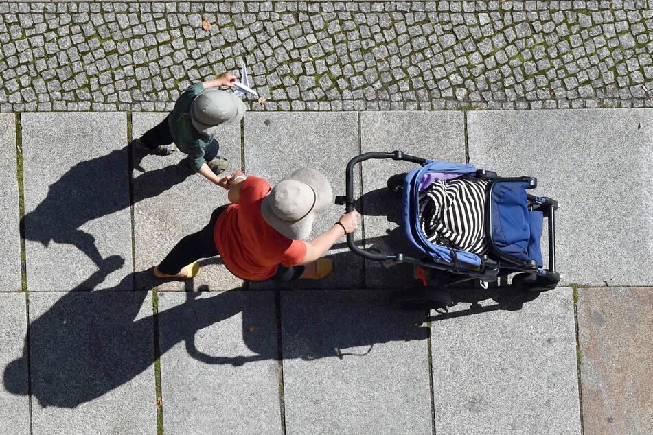 In Frankreich darf ein Paar ihre Tochter, die von einer Leihmutter geboren wurde, nicht als leiblich eintragen lassen. (Symbolbild)