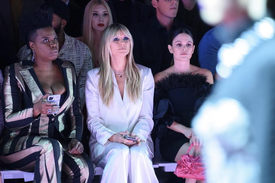 Schon jetzt steht fest, wen Model-Mama Heidi Klum (M.) im GNTM-Finale begrüßen darf.