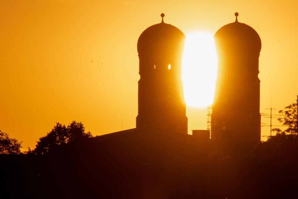Sonnenaufgang in München: Bayern darf sich auf höhere Temperaturen freuen
