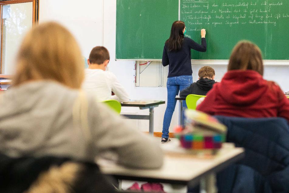 Am Montag gehen in Brandenburg nach den Grundschulen auch die weiterführenden Schulen in den kompletten Präsenzunterricht über. (Symbolfoto)