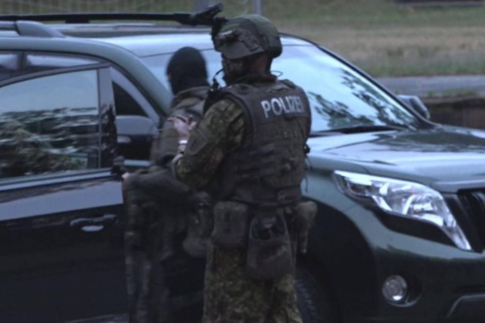 Polizisten bedroht und entwaffnet: Yves Rausch wurde wegen Volksverhetzung verurteilt