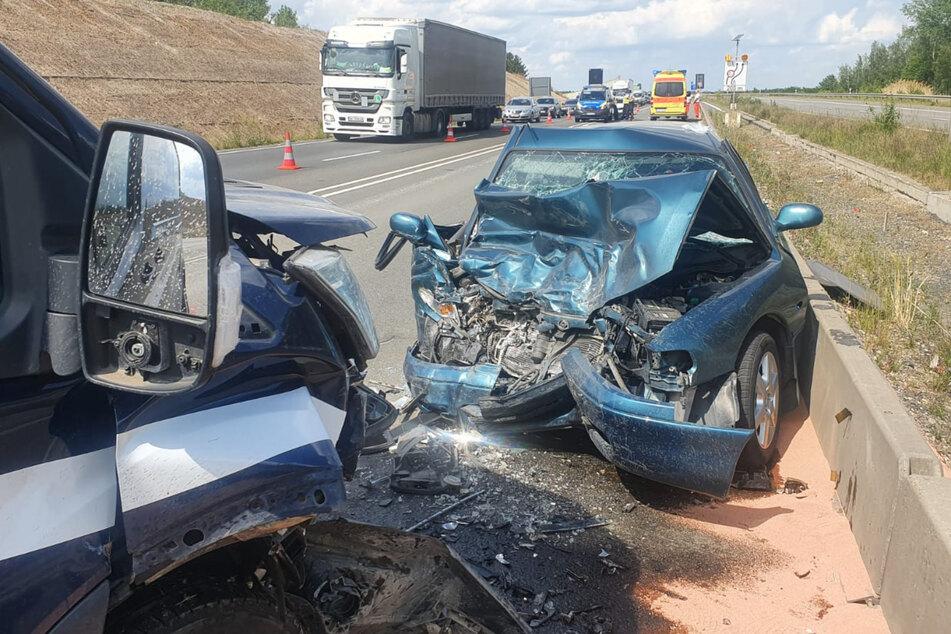 Der schwere Verkehrsunfall ereignete sich auf der Bundesstraße 2 nahe dem Kreuz Leipzig-Süd.