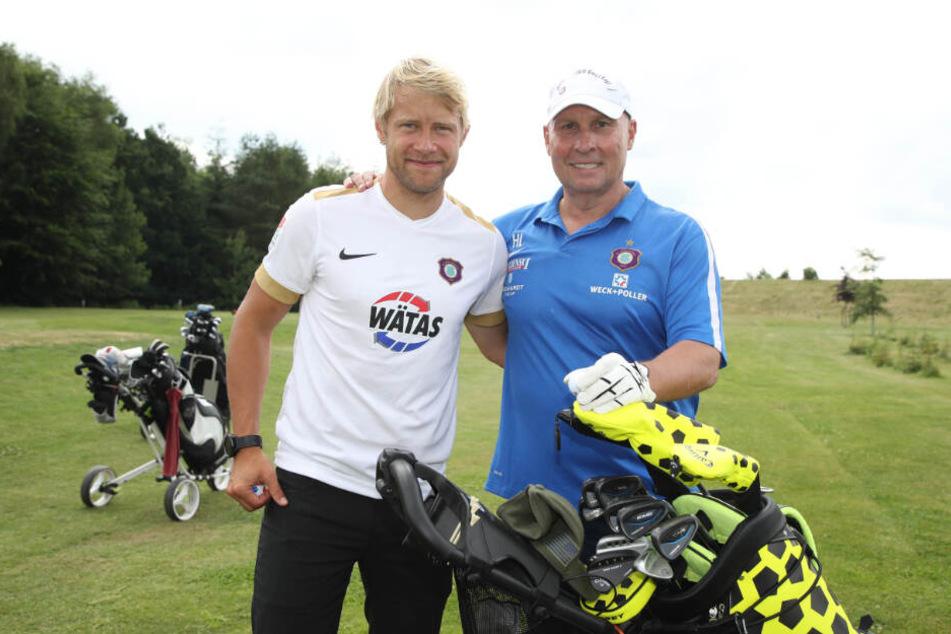 Zeit, um mit FCE-Boss Helge Leonhardt Golf zu spielen, hat Jan Hochscheidt nach der Karriere noch genug. Vorher soll er aber noch ein paar Jahre für Aue kicken.