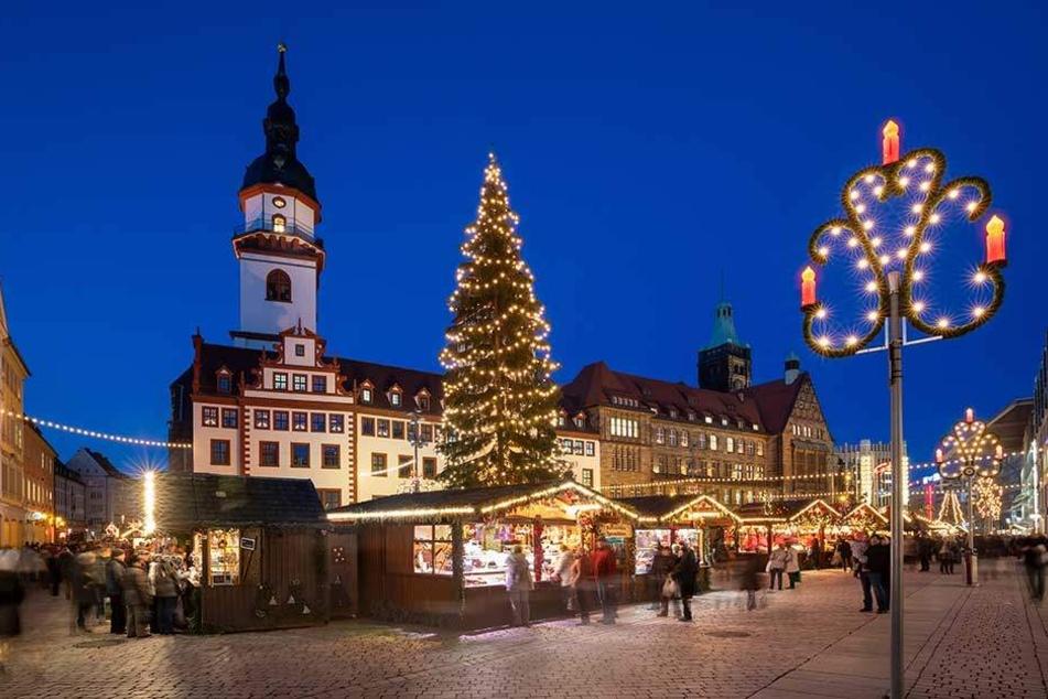 Mit vier Wochen hat Chemnitz zwar mit einen der längsten Weihnachtsmärkte, bei der Anzahl der Birnen pro Einwohner ist die Stadt aber Schlusslicht.