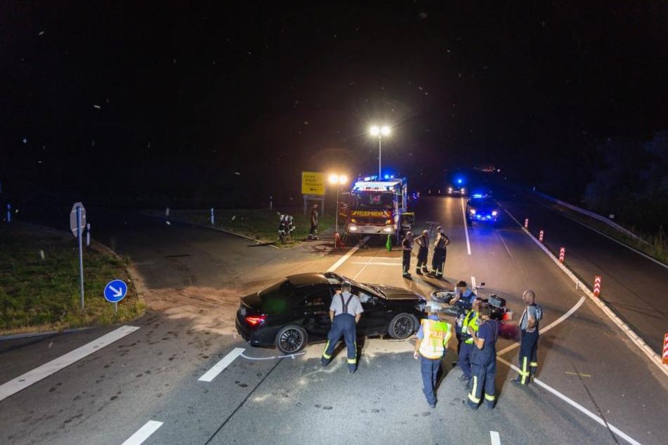 Nach ersten Informationen stand der Mercedes-Fahrer unter Alkoholeinfluss.