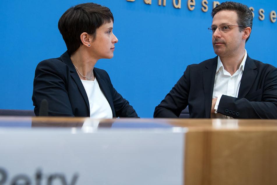 """Frauke Petry und Marcus Pretzell planen eine eigene Partei. Dabei könnte es sich um eine Art """"bundesweite CSU"""" handeln."""