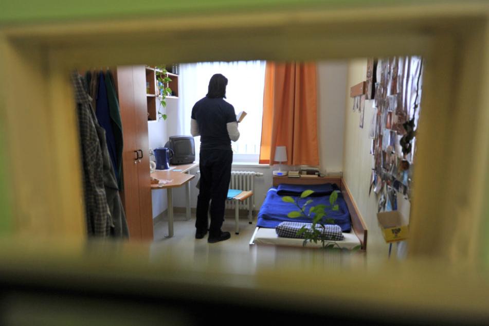Zur Suizid-Prävention gibt es in Thüringen seit 2012 eine zentrale Erstaufnahmestelle in der Haftanstalt Tonna.