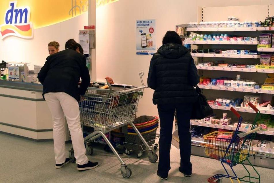 In Deutschland arbeiten für dm rund 40.000 Menschen. (Symbolbild)