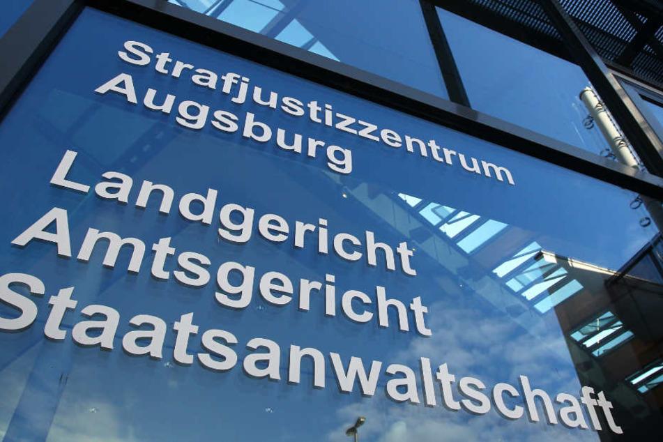 Der Fall der 1993 ermordeten Frau wird in Augsburg verhandelt. (Archivbild)