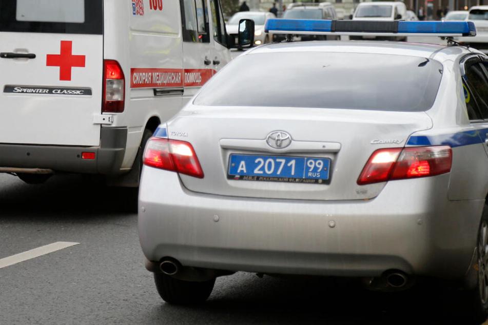Fahrzeug in Schulklasse geschleudert: Lehrer tot, neun Kinder verletzt