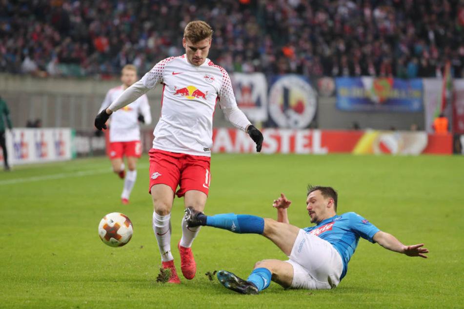 Fand nicht entscheidend den Weg vors Tor: RB Leipzigs Stürmer Timo Werner (l., hier gegen Neapels Mário Rui).