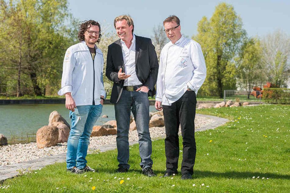 """""""Genusswelten""""-Veranstalter Mirco Meinel (45, Mitte) mit den  beiden Dresdnern Benjamin Biedlingmaier (31, l.) und Mario Pattis  (48)."""