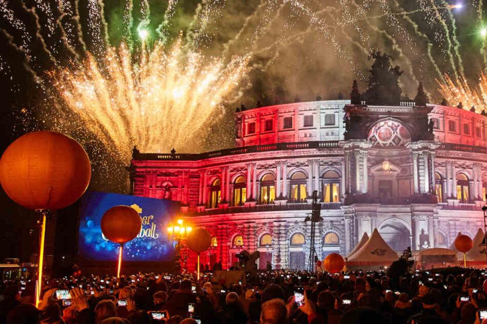 Weniger Promis, keine Preise, dafür Proteste: Das war der SemperOpernball in Dresden