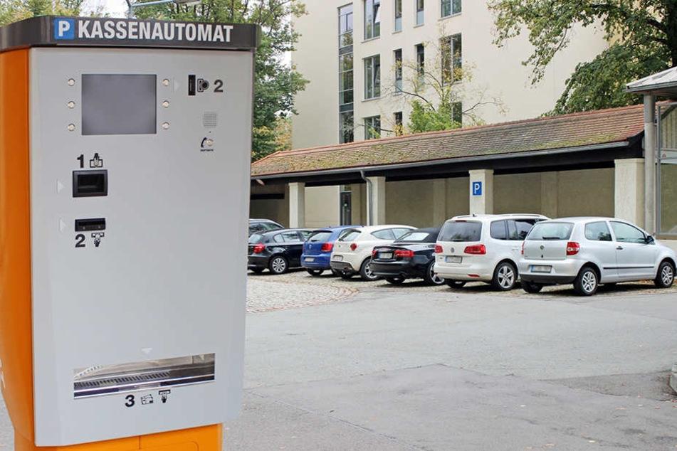 An diesen Automaten müssen künftig Tickets gezogen werden.