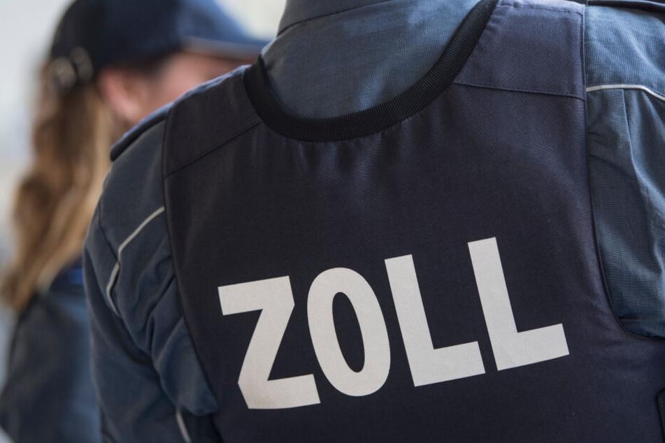 Zollbeamte haben in Chemnitz und Umgebung acht Unternehmen wegen des Verdachts der Schwarzarbeitkontrolliert. (Symbolbild)