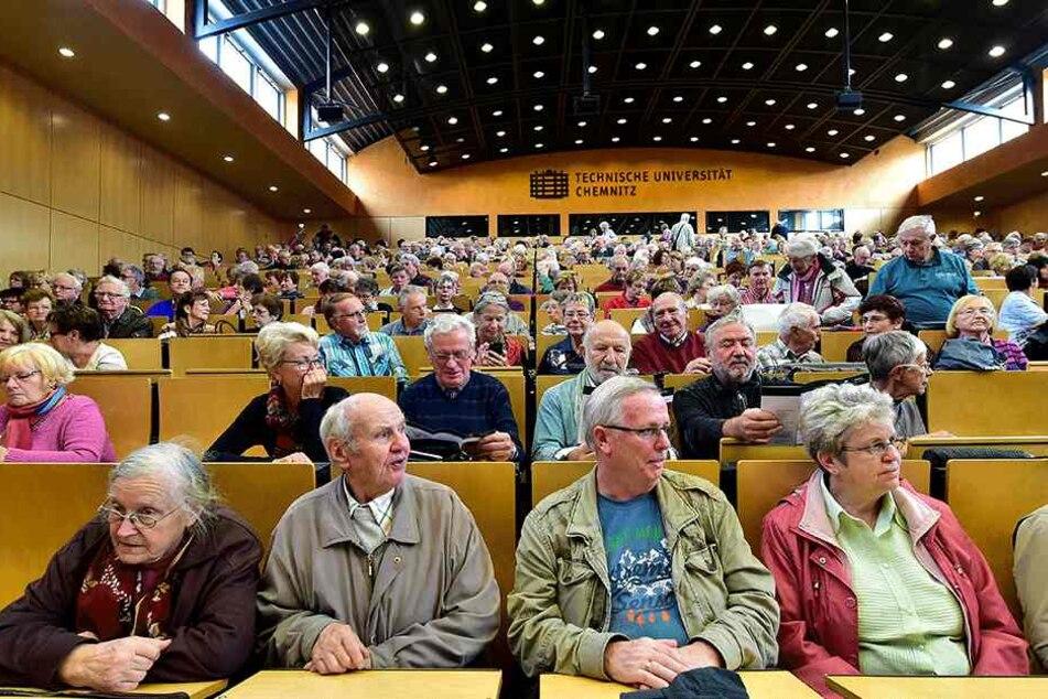 Volles Haus: Rund 650 Teilnehmer zählte die Auftaktveranstaltung des  Seniorenkollegs.