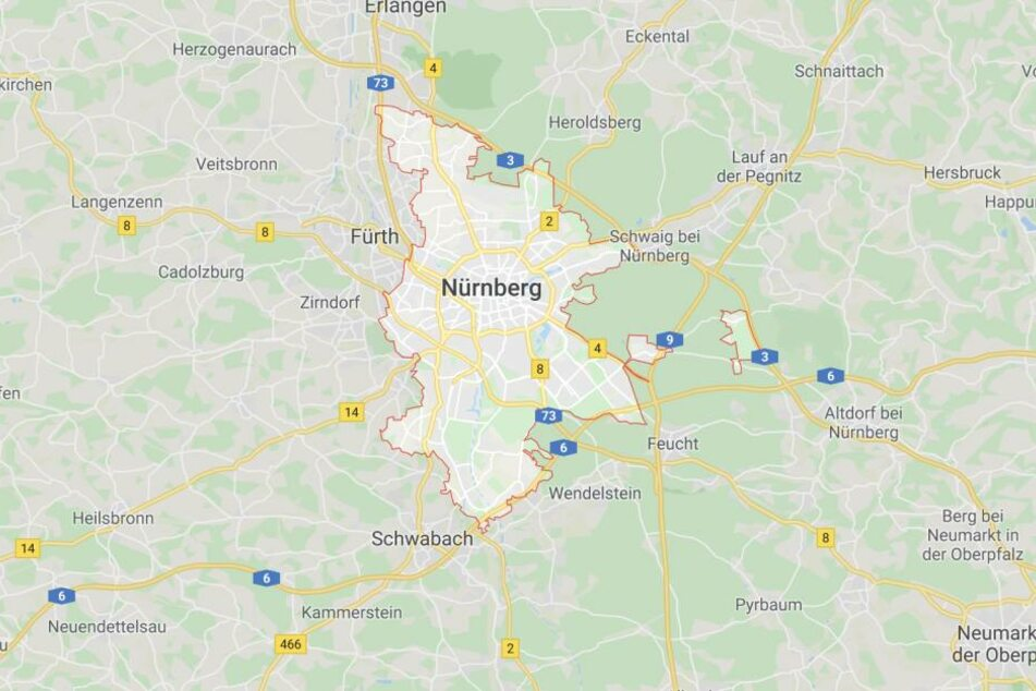 Gegen einen Fußballspieler ist nach einer Gewalteskalation Haftbefehl in Nürnberg erlassen worden.
