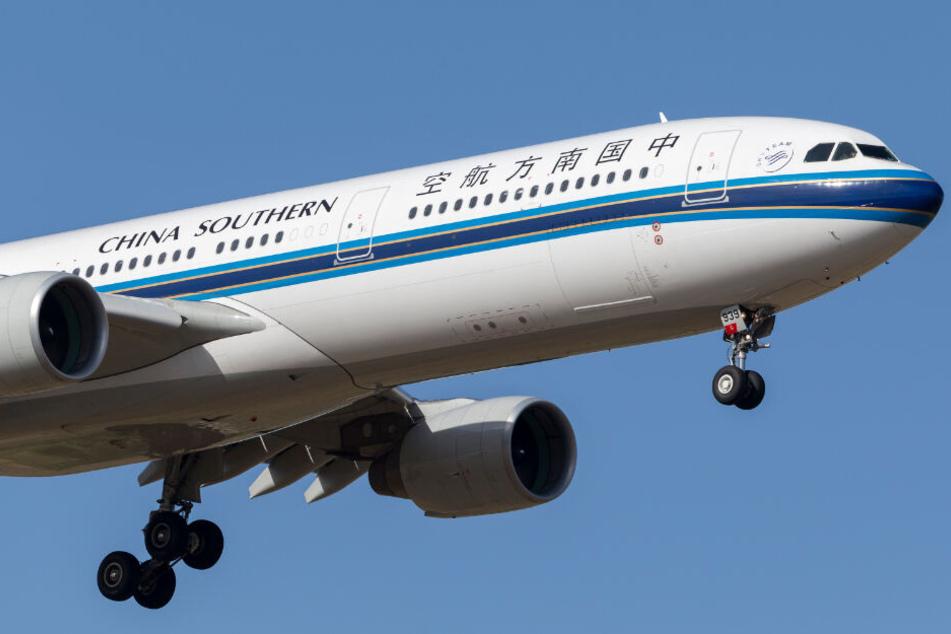 An Bord einer Maschine von China Southern kam es zu einem kuriosen medizinischen Notfall. (Symbolbild)