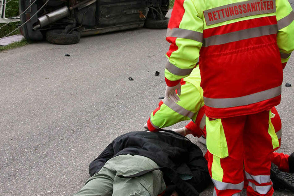 Ein Ersthelfer hat sich mit einer rührenden Aktion um einen verletzten Jungen (7) gekümmert. (Symbolbild).