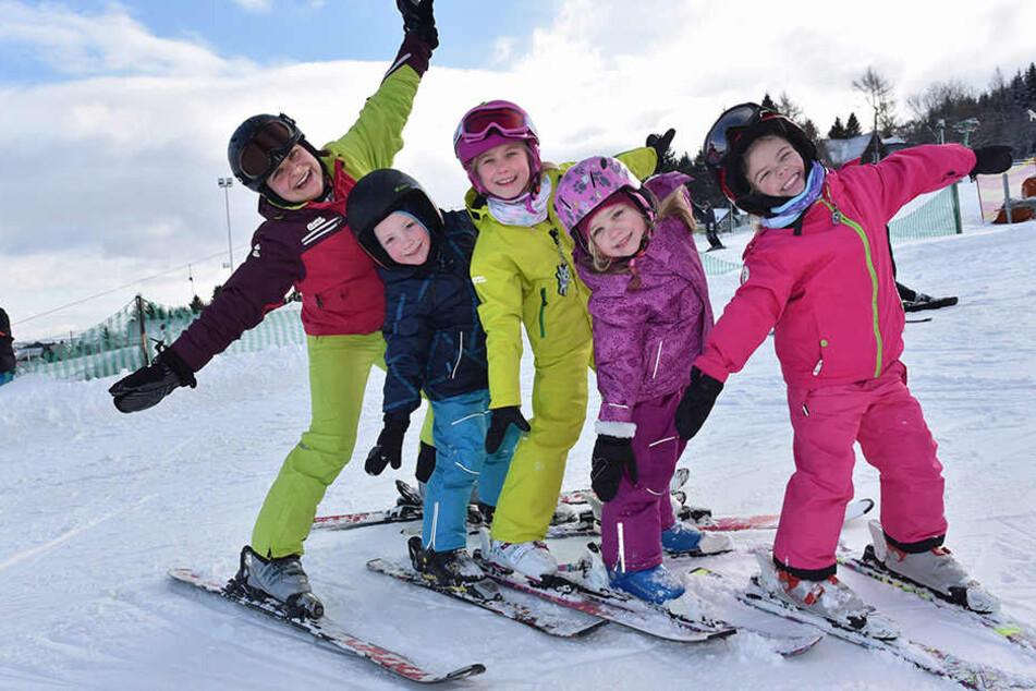 Auch die Kleinen stehen schon sicher auf den Brettern - und haben jede Menge Spaß dabei.