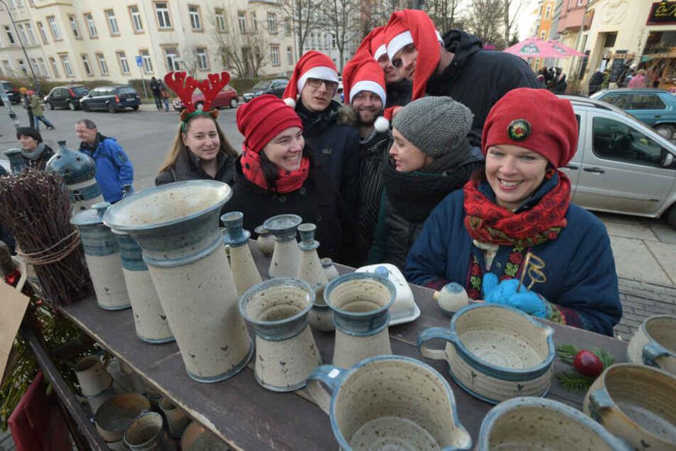 Händler und Anwohner gestalten gemeinsam den 100-Meter-Weihnachtsmarkt auf dem Kaßberg.