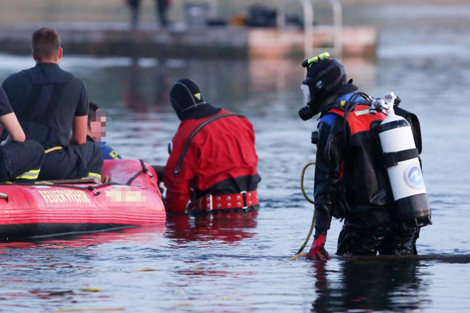 Der Teenager hatte Probleme aufzutauchen. Die Rettungskräfte konnten den Jungen nur noch tot bergen. (Symbolbild)
