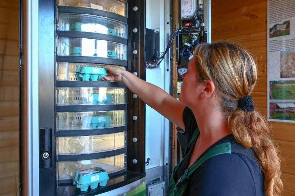 Jeden Tag gibt's frische Eier aus der Maschine.