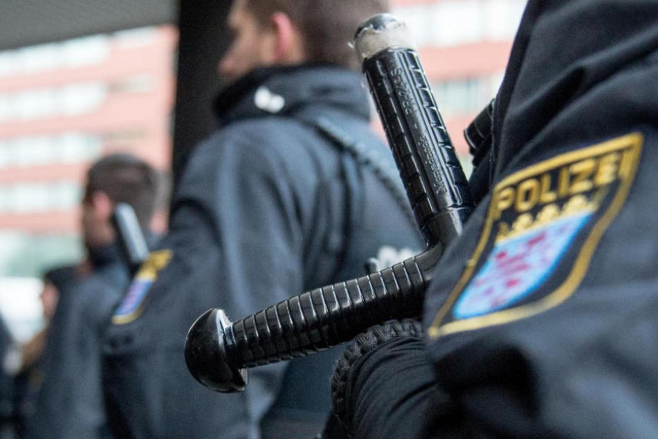 Fünf Polizisten aus Frankfurt waren in den Skandal verwickelt (Symbolfoto).