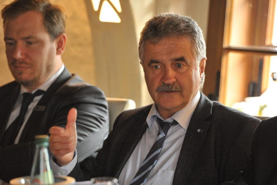 Geschäftsführer Hans-Joachim Wunderlich beim Jahresgespräch der IHK.