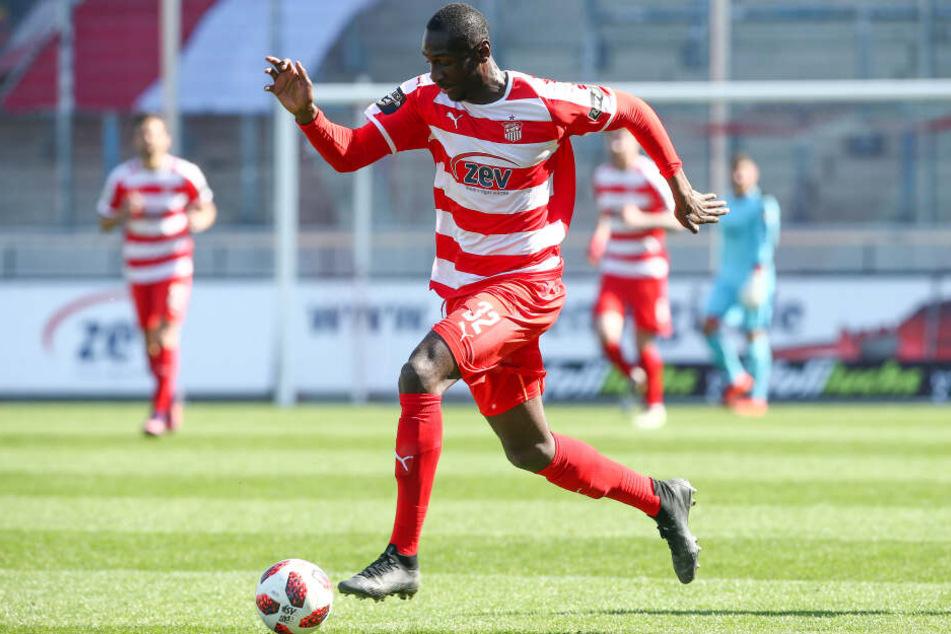 Der Vertrag von Tarsis Bonga läuft zum Saisonende aus, der CFC ist an dem Angreifer interessiert.