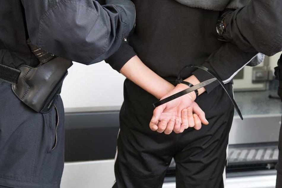 Einer der Räuber wurde vorläufig festgenommen.