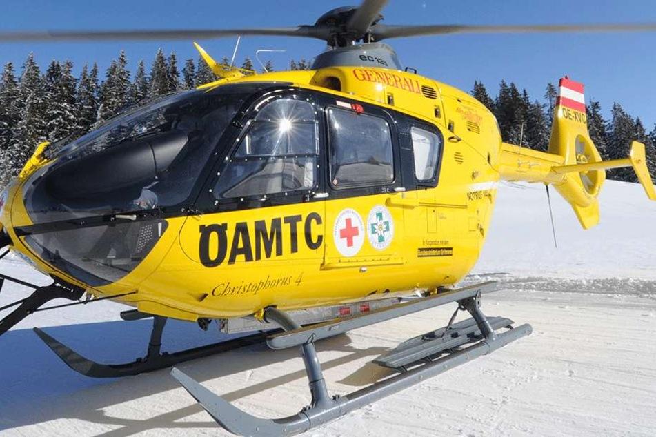 Mit einem Christopherus Rettungshubschrauber wurde der Mann ins Krankenhaus geflogen (Symbolbild).