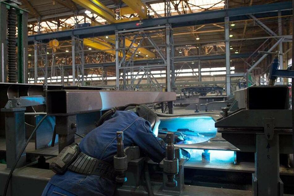 Trotz Insolvenz: Im Waggonbau Niesky wird unter Volllast gearbeitet.