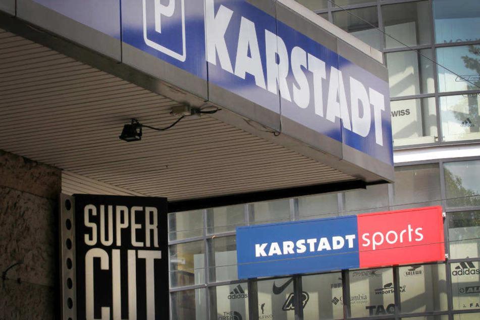 """""""Karstadt sports""""-Filiale in Düsseldorf: Das Sportgeschäft soll bei der geplanten Fusion von Karstadt mit Kaufhof ausgebaut werden."""