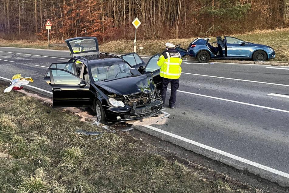 Sechs Menschen nach schwerem Unfall verletzt, darunter drei Kinder!