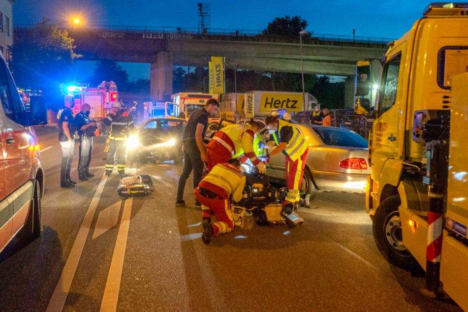 Schwerer Unfall in Hamburg: Mit 2,36 Promille in Gegenverkehr gerauscht