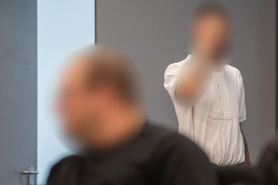 Die beiden OSS-Mitglieder bei der Urteilsverkündung am Oberlandesgericht in Dresden.
