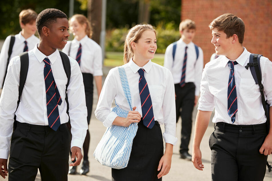 Das Tragen von Schuluniformen ist in ganz Großbritannien Pflicht (Symbolbild).