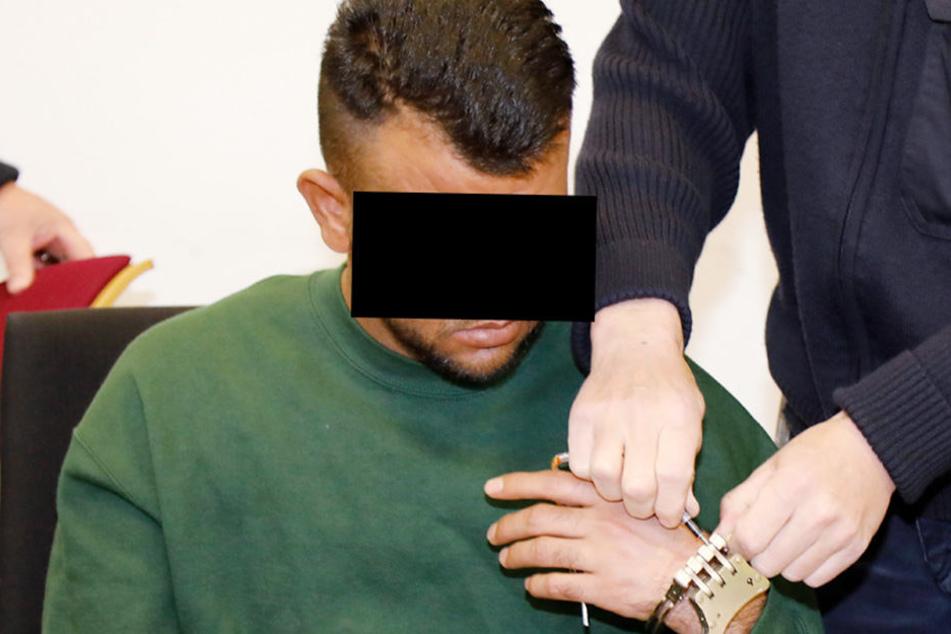 Der 31-Jährige soll im Blutrausch acht Mal auf sein Opfer eingestochen  haben.